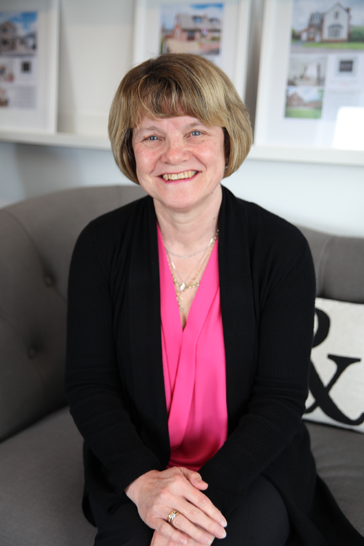 Linda  Cumming , Property Consultant - Eccleston